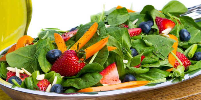 Beachbody-Blog-Spinach-Berry-Salad